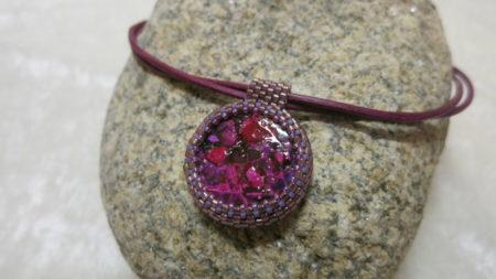 Foto of pendant-Eggshell-lila