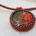 Image of Necklace-Eggshell-red