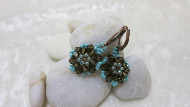 Galery Image of earring in brown in brownn