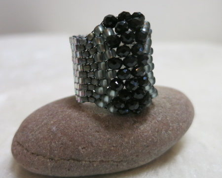 image of ring in akzent black-front