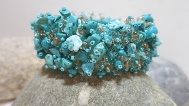 bracelet turqouise beads voluminious
