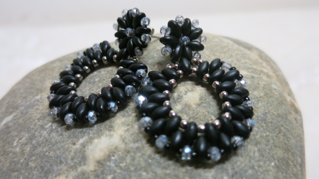 earpendant black Duo on stone
