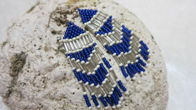 long earring in blue white lon stone