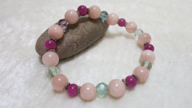 bracelet pink Jade colors with silver spacer