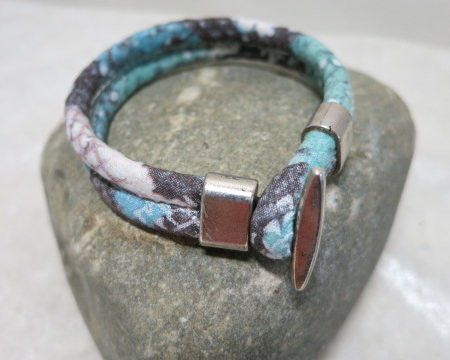 cord bracelet mint laying