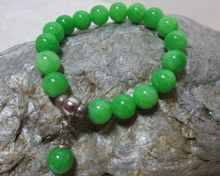 bracelet green Jade an silver beads on silverstone