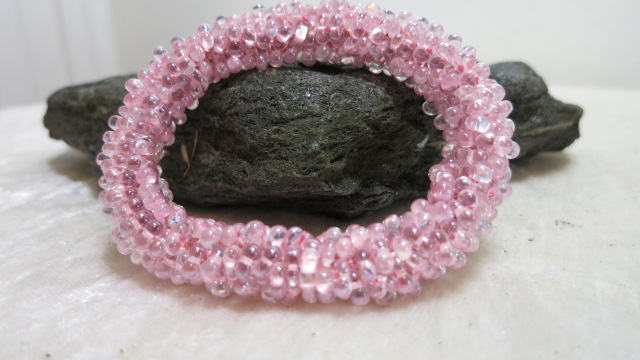 bracelet rolled crochet style in pink color