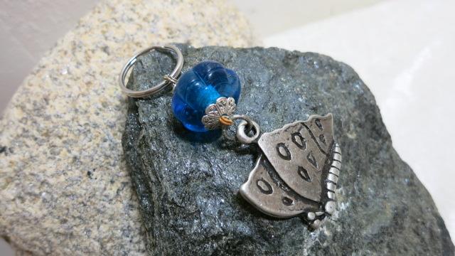 keyringpendant butterfly blue bead