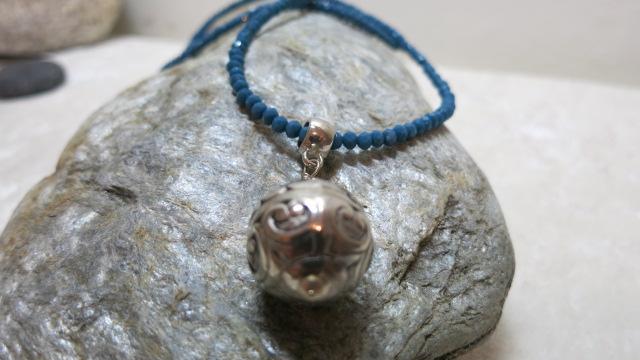 necklace blue long silver pendant front