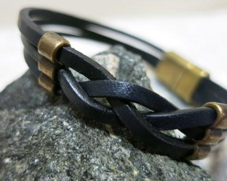 bracelet leather stripes black with copper dekoration magnetic clasp detailled