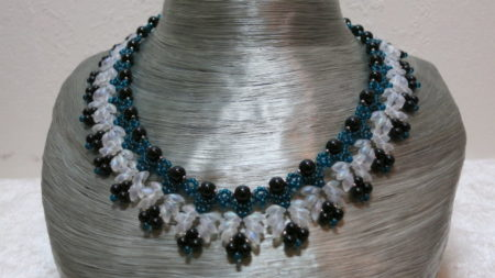 necklace elegant collier petrol green black with white on grey bust
