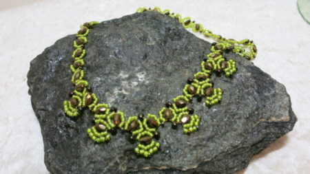 necklace collier ethnolook yellow with copper on stone