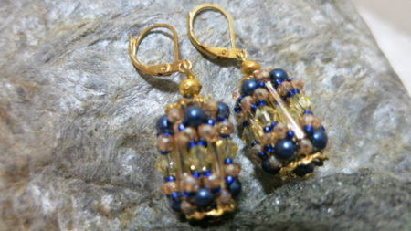 earring pendant in golden and blue colors
