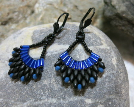 earring cobalt blue Malaga on stone