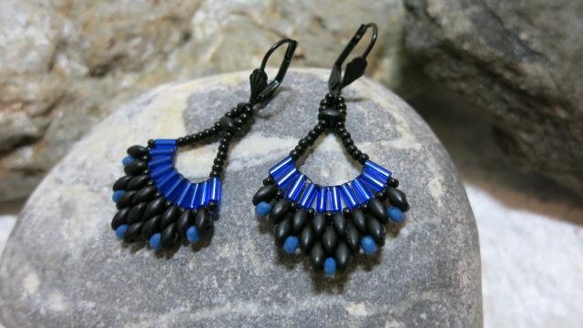 earring cobalt blue Malaga on stone