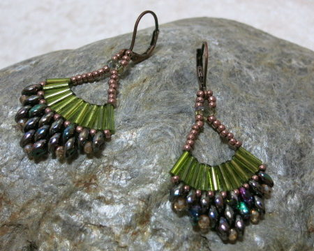 earring green Malaga laying