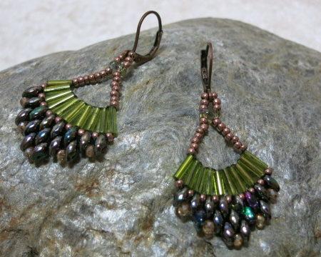 earring green Malaga laying