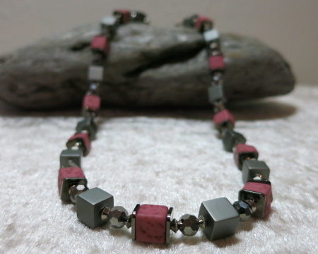 necklace aluminium silver pink faceted beads