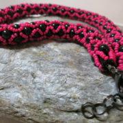 necklace collier abundant pink black color closure in detail