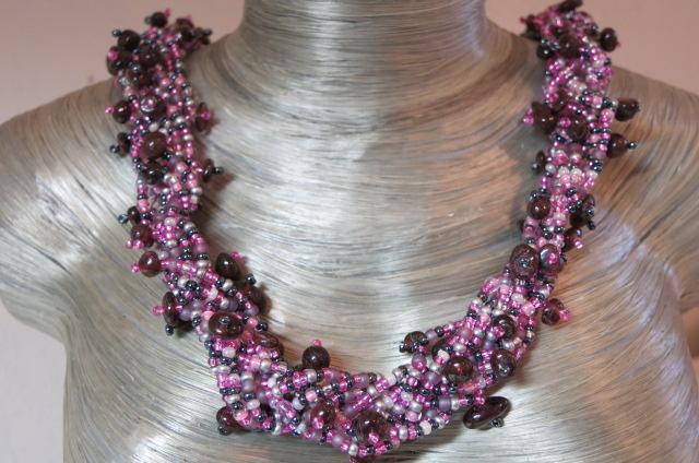 necklace collier abundant purple black colors on silver bust