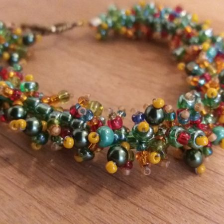 bracelet-caterpillar-green-yellow-red-1