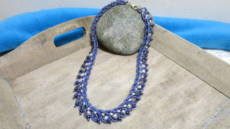 collier-silver-heaven-blue-on tablet-2
